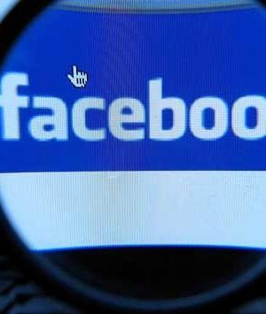 Vittima di una rapina riconosce i malviventi su Facebook, arrestati