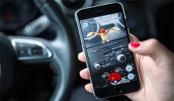 Pokemon Go mania la prima multa in Italia