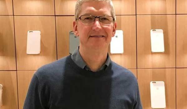 Apple festeggia i primi 5 anni del CEO Tim Cook