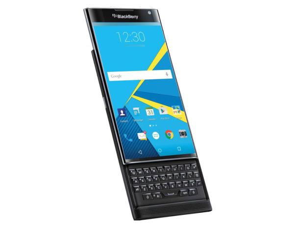 Sfida BlackBerry Priv o vende o a casa